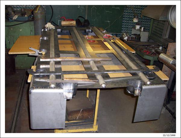 Сборка нижней полуформы ротоформы понтона 2FLOAT