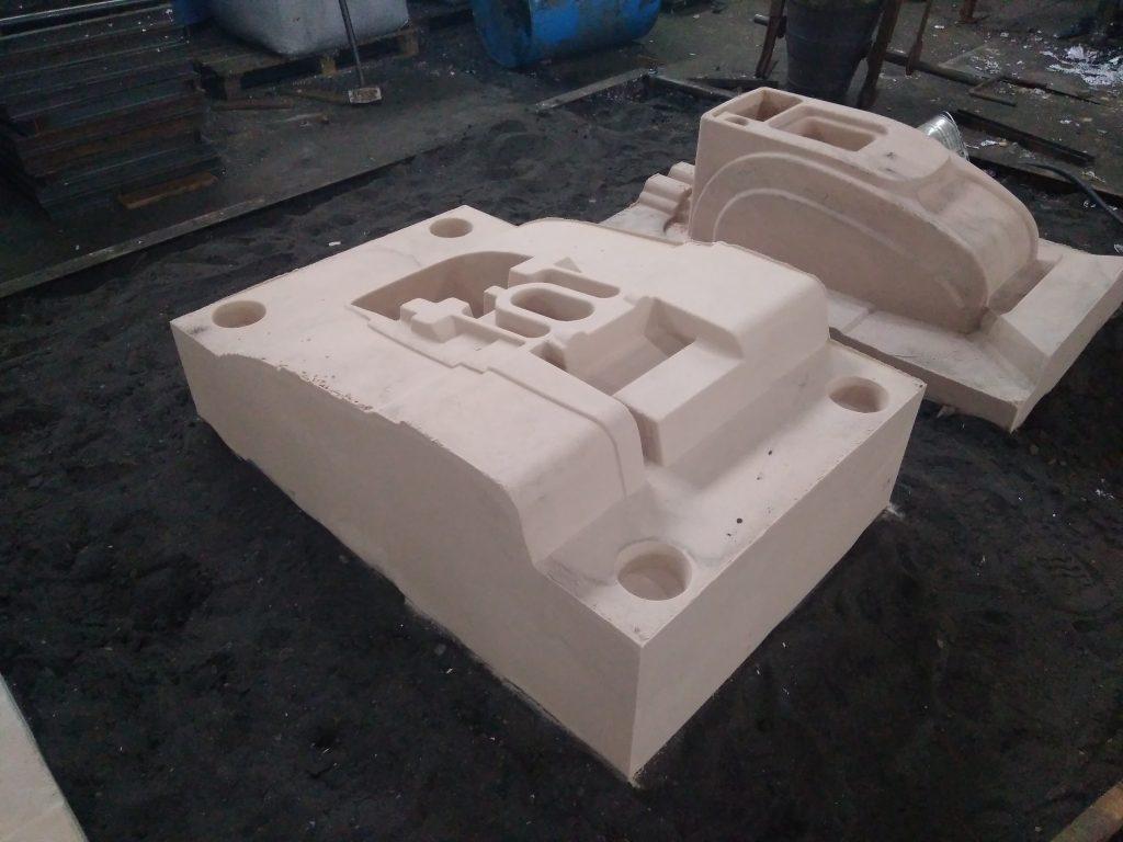 Песчаные комы для литья деталей ротоформ моченой машины